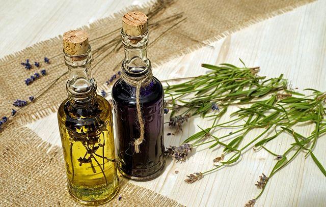 Zaštitite kosu biljnim uljima tokom letnjih meseci